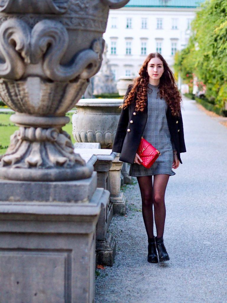 Quelles chaussures porter avec une petite robe courte